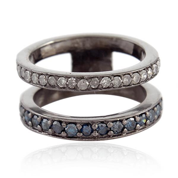 Ring in sterling silver with diamonds.