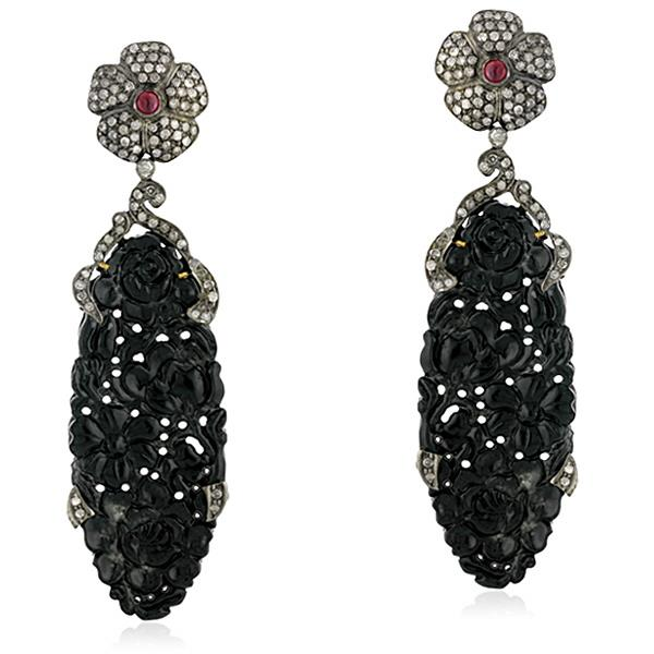 Earrings in 18 Kt gold with silver, Diamonds & Ruby