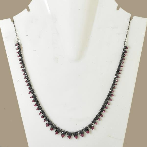 Necklace in silver with sapph & rub